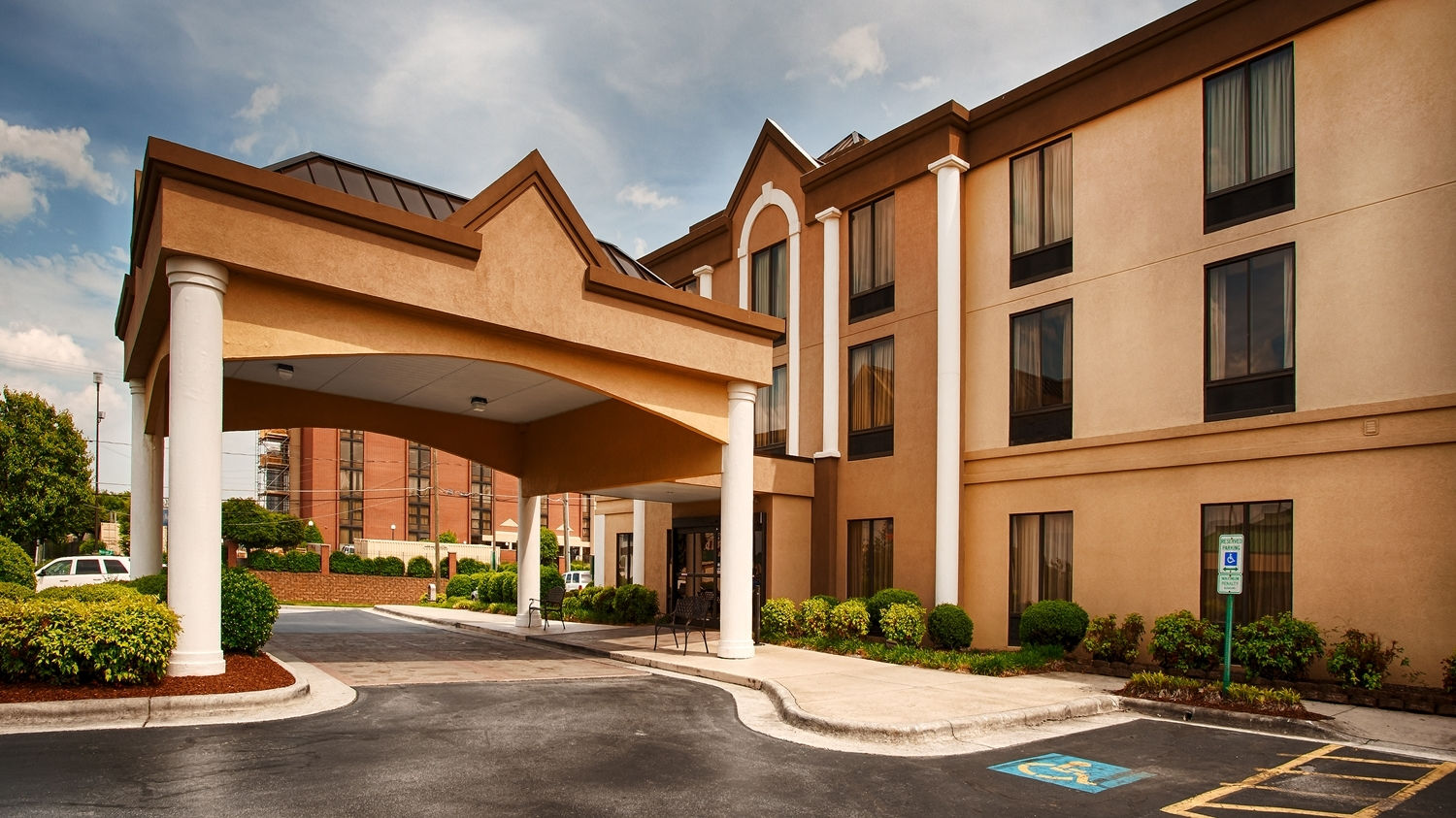 Hotel With Outdoor Pool And Room Service Greensboro Nc