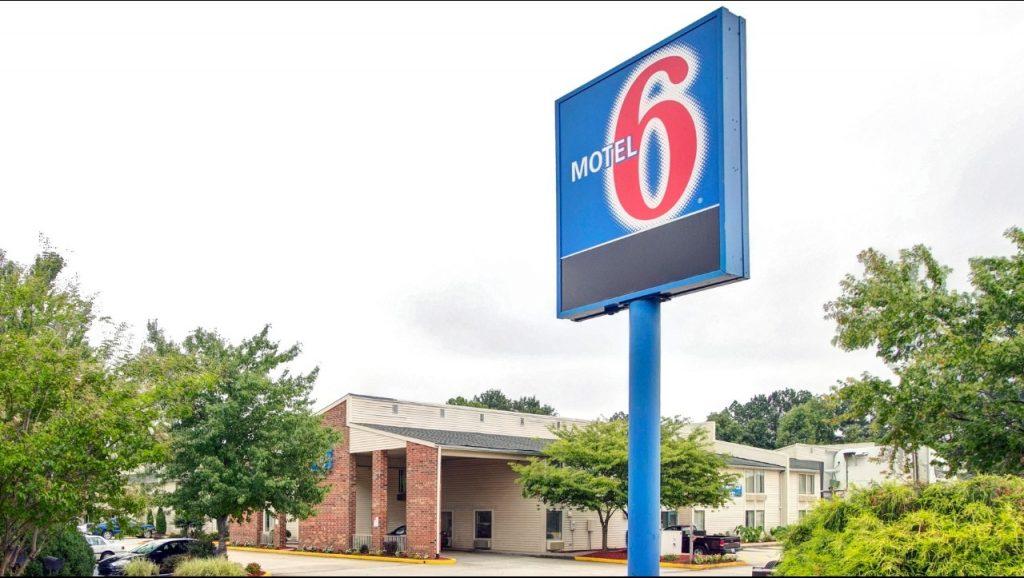 Motel 6 greensboro airport greensboro convention and - Public swimming pools greensboro nc ...