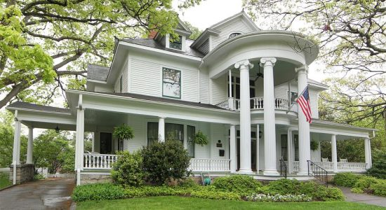Double Oaks Bed & Breakfast