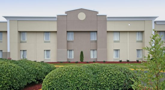 Quality Inn & Suites – Airport